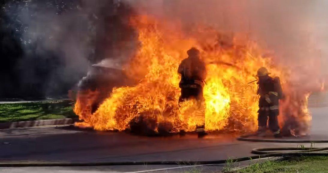 Los coches de hidrógeno son seguros y no explotan.
